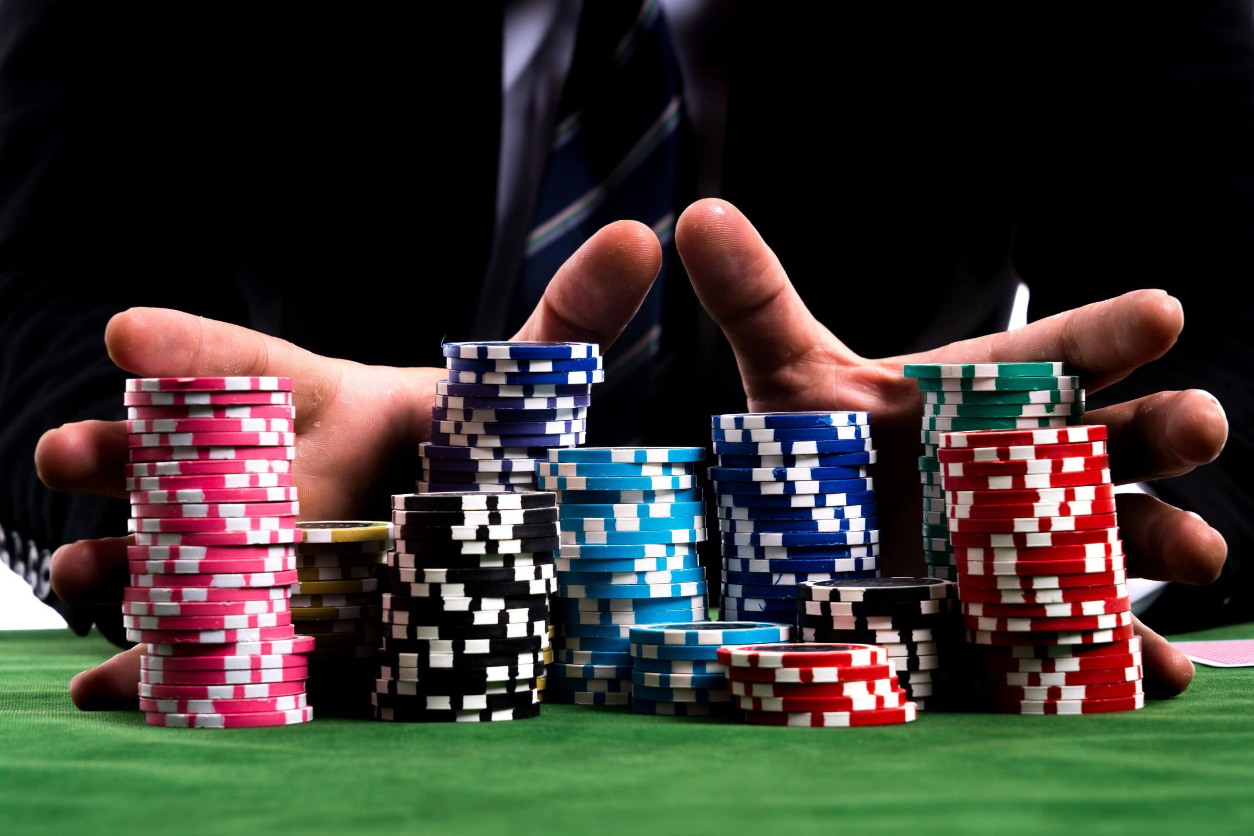Benefits of Reading POKER IDN Poker Articles on the Internet