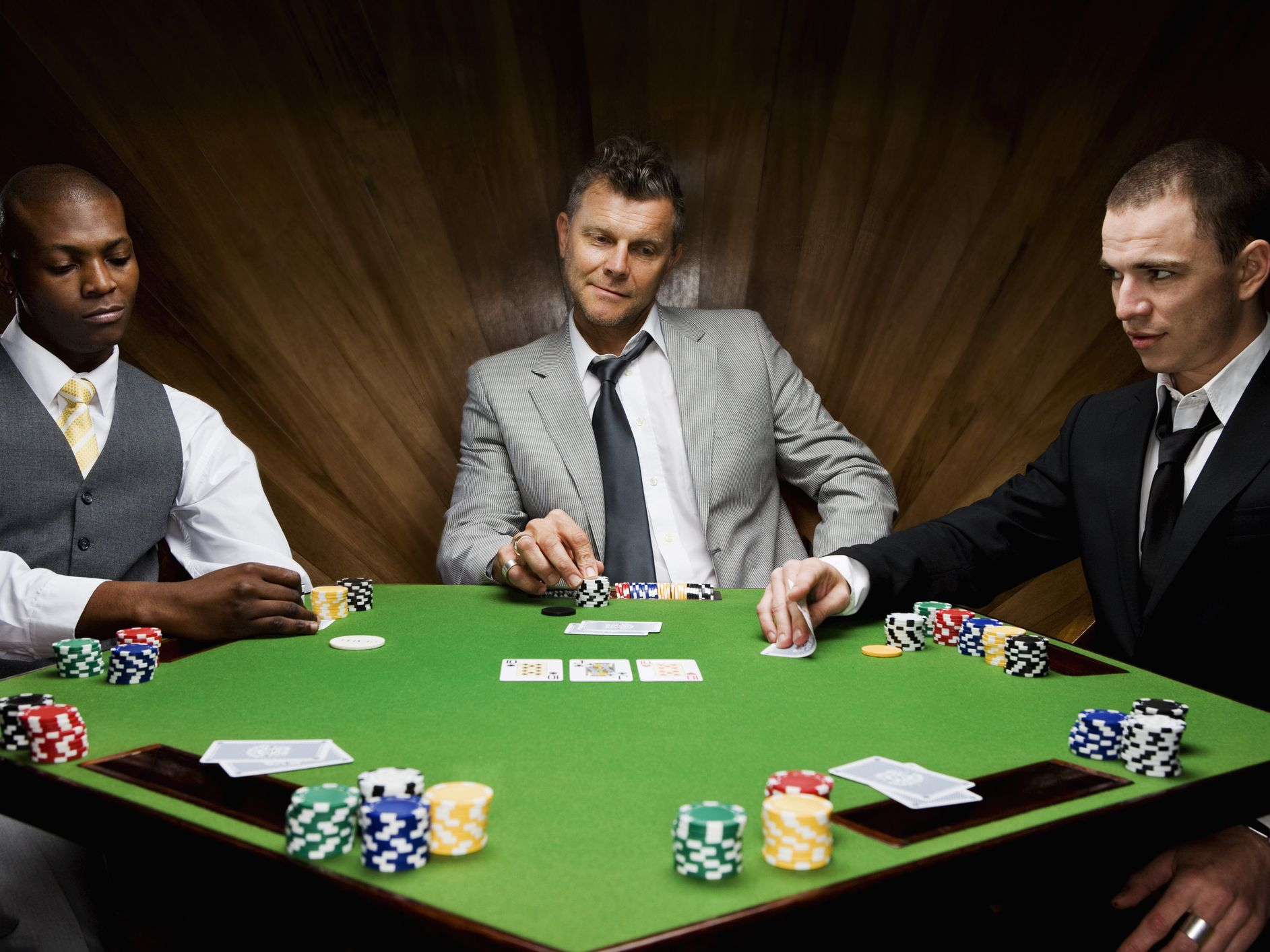 The 5 Best Types of Online Poker Advantages