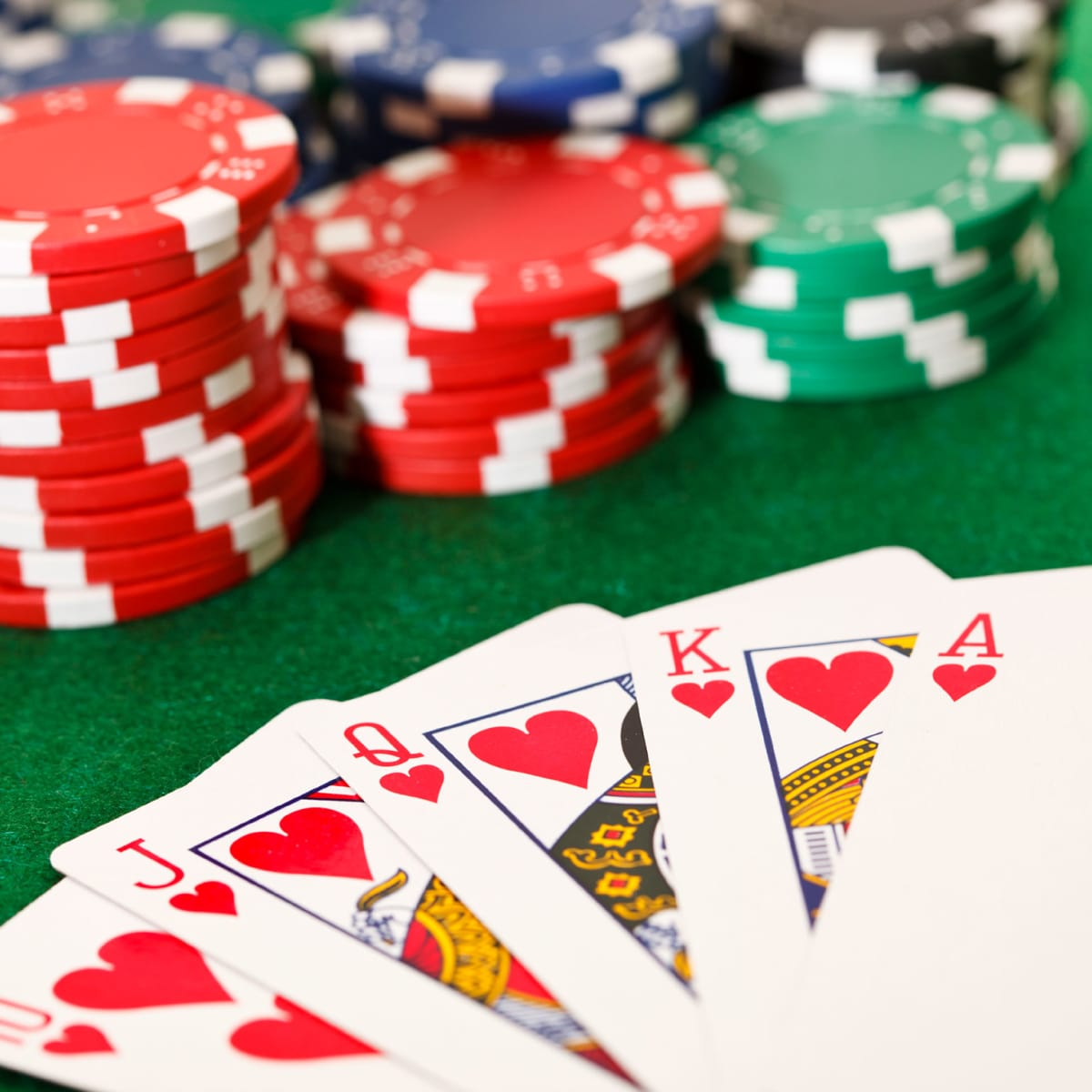 Tips and Tricks for Playing Online Poker