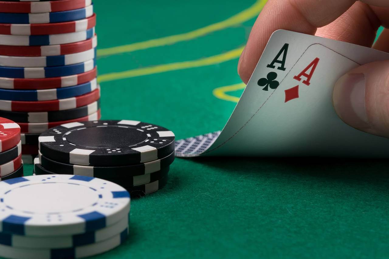 The Key to Getting Rich From Online Poker Betting